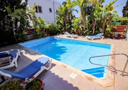 3 Bedroom Bungalow in Kiti <i>€ 259,950)}}