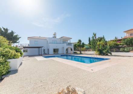 4 Bedroom Villa in Cape Greko <i>€ 850,000)}}