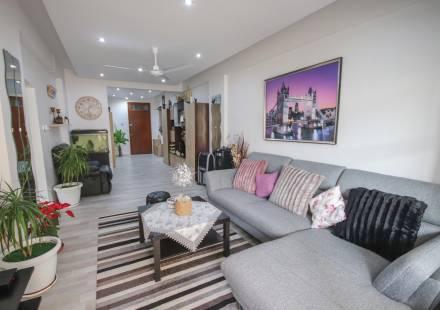 2 Bedroom Apartment in Larnaca Town <i>€ 110,000)}}