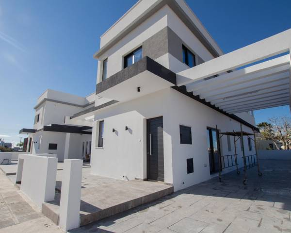 MLS9769 3 Bedroom Townhouse in Paralimni
